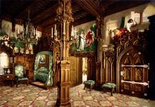 Schlafzimmer des Königs auf Schloss Neuschwanstein, kolorierte Fotografie von Joseph Albert, 1886