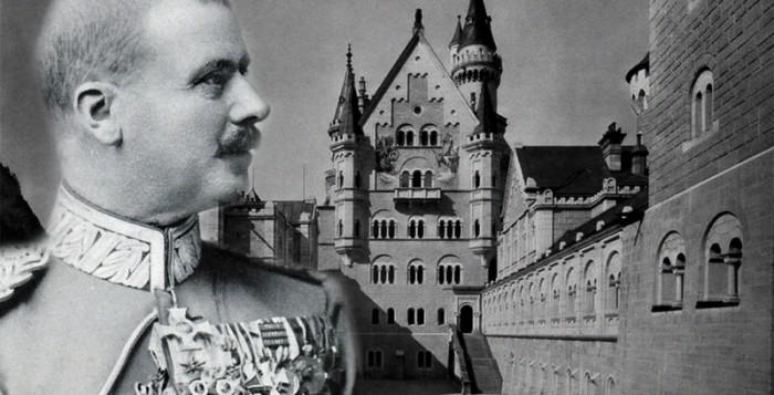 Montage: Graf Dürckheim-Montmartin vor Schloss Neuschwanstein
