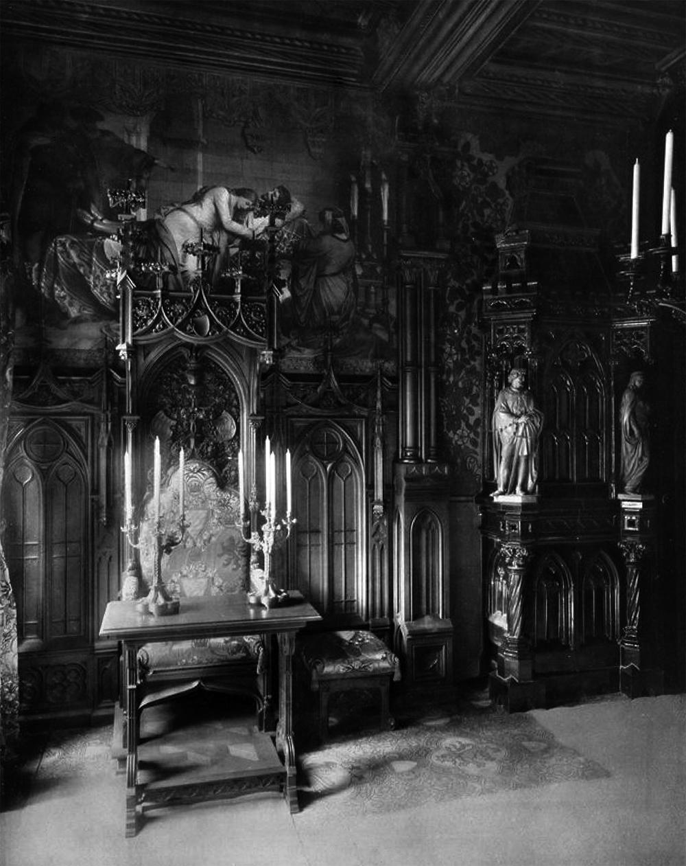 Schlafzimmer – Schloss Neuschwanstein – Ein Traum im gotischen Stil ...